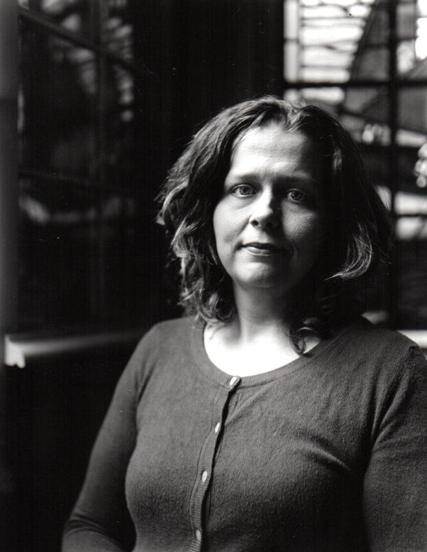 Retrato da professora por Carolina Ruiz